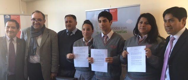 firma convenio liceo santa maría renaico web